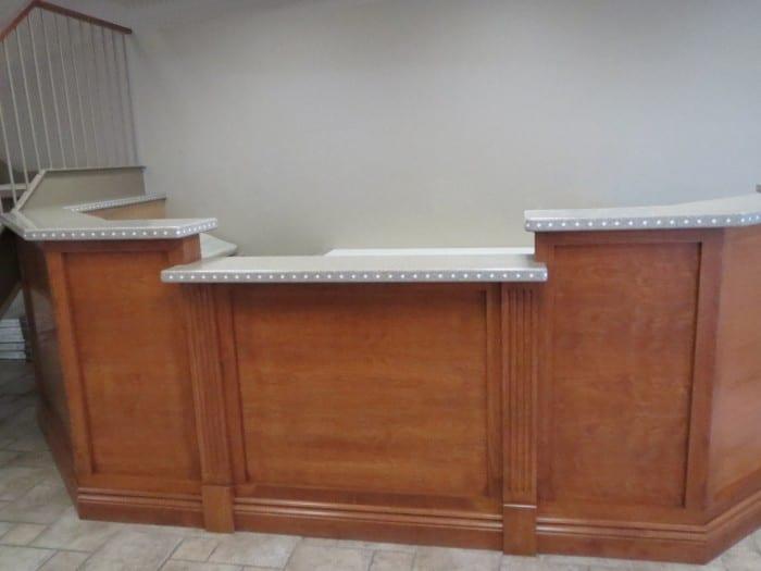 Desk & Kiosk (8)